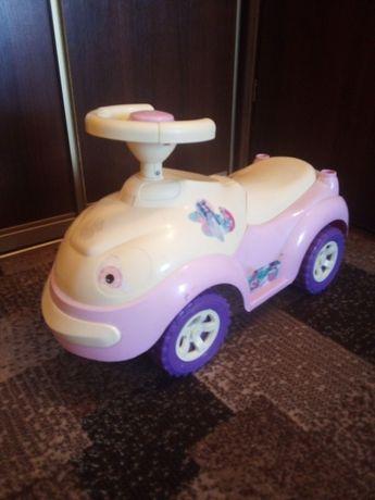 Машинка дитяча.