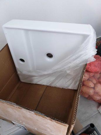 2 lavatórios novos