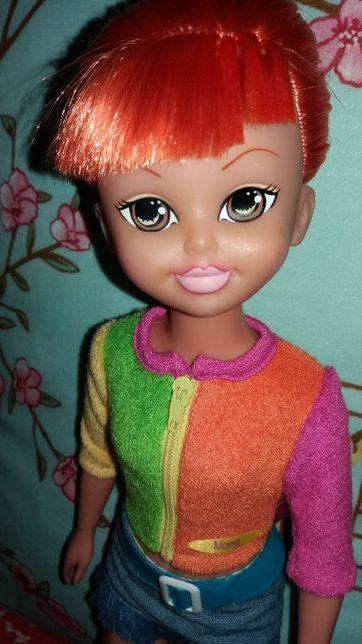 Boneca Nora grande (45 cm de altura)