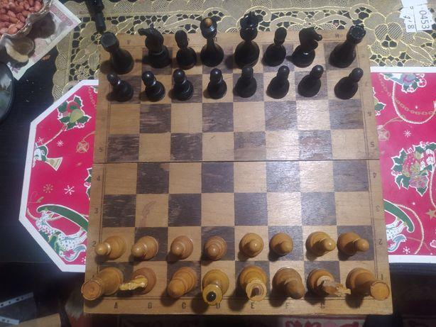 шахматы фигуры и доска