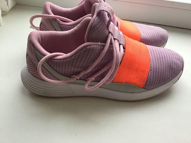 Кроссовки для девочки 37 размер.