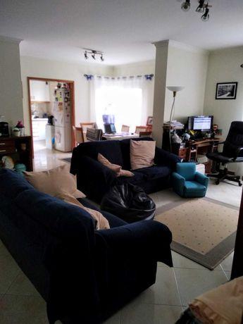 Apartamento T2 em Monte Abraão