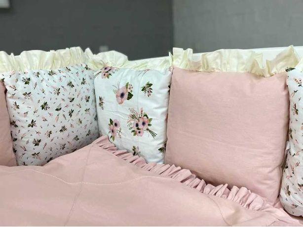 Бортики в ліжечко Дитяча постіль Дитячі набори