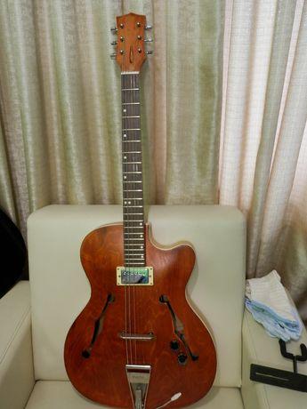 gitara elektryczna jazzowa defil wypasiona