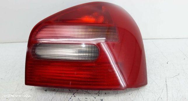 Farolim Tras Direito Audi A3 (8L1)