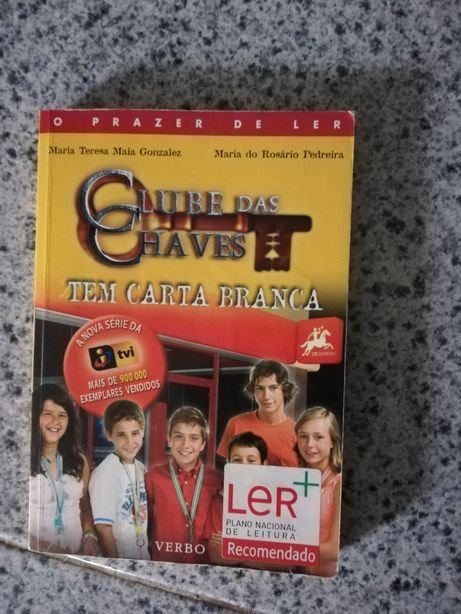 Livros clube das chaves, witch, high school musical, Alice