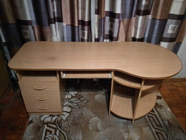 Б/У компьютерный стол