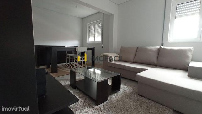 Excelente Apartamento T3 Remodelado em Esgueira