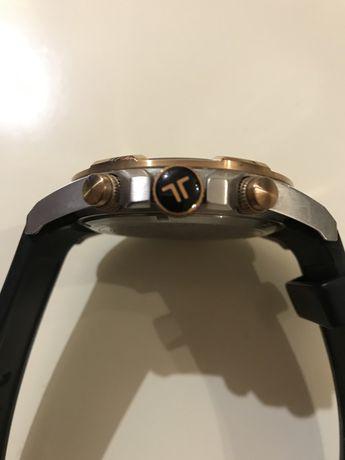 Продам мужские кварцевые  часы хронограф Jacques Lemans