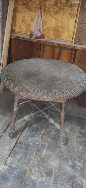 Stół wiklinowy, okrągły stary