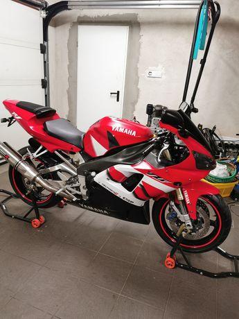 Yamaha r1 rn04 po remoncie
