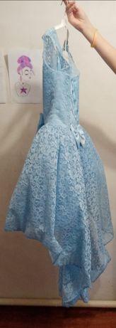 Платье,на девочку,8-9 лет,одевалось пару раз!!!