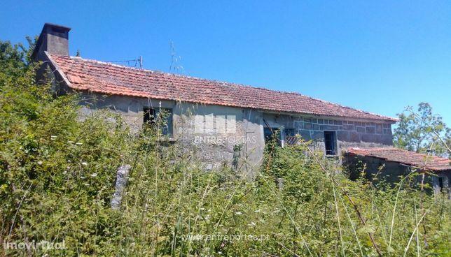 Venda Moradia para Reconstruir com Terreno, Valadares, Baião
