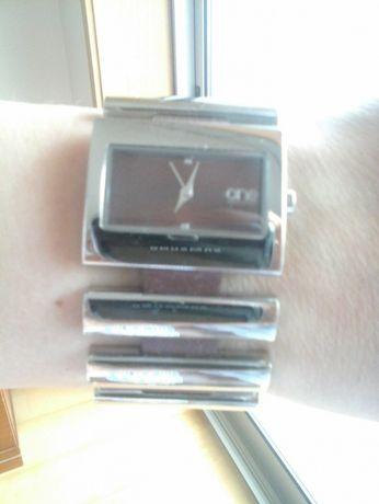 Relógio - Marca ONE