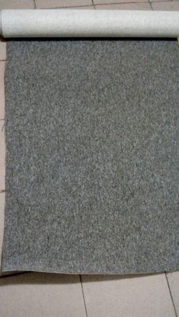Продам куски ковролина 100 грн.