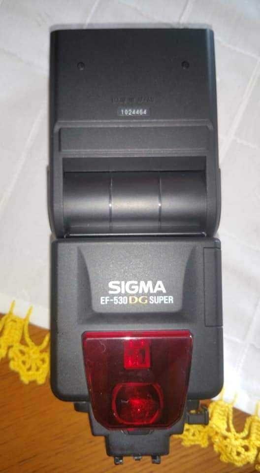 Maquina fotografica Sony e flash Sigma