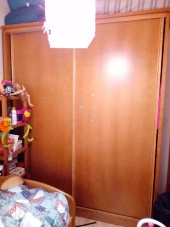 Roupeiro de duas portas, madeira maciça em cerejeira