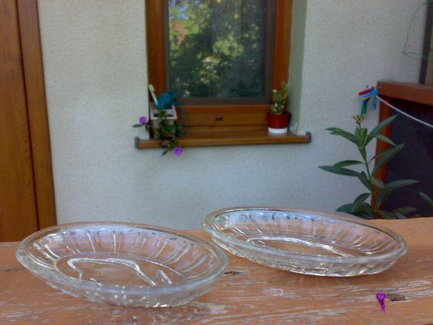 Две овальные вазочки