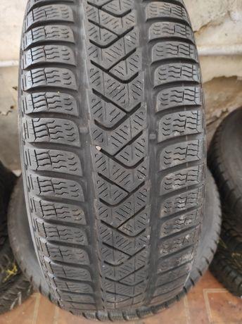 Шини 215*60 R16 Pirelli б/в
