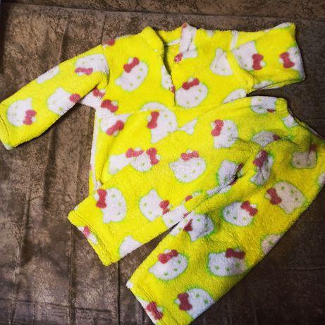 Теплая пижама на девочку
