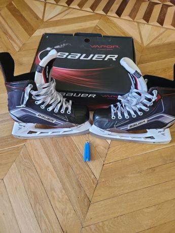 Хоккейные коньки Bauer X500.