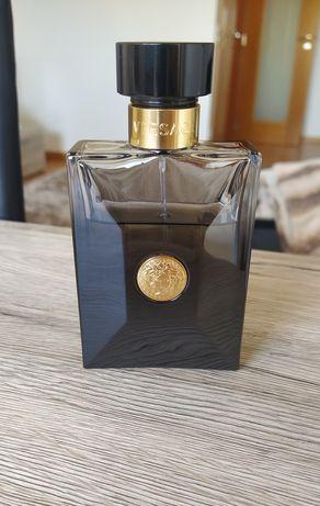 Versace Oud Noir Perfume Usado