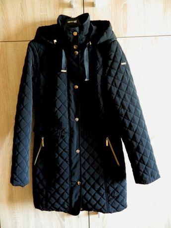 Стеганая женская куртка с капюшоном