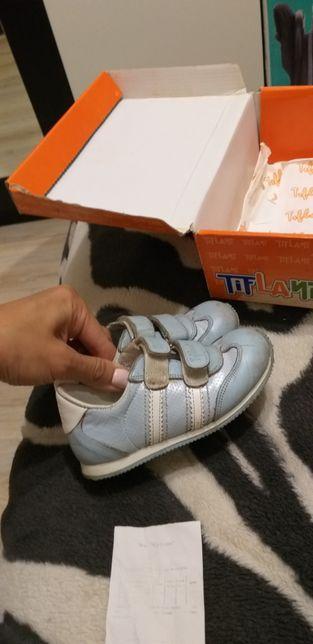 Продам кожаные кроссовки на мальчика, 22 размер , по стельке 14 см