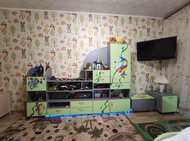 Вся Мебель в детскую комнату,детская кровать, детская стенка, стол.