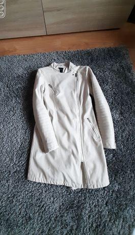 Beżowy wiosenny płaszczyk w rozmiarze XS