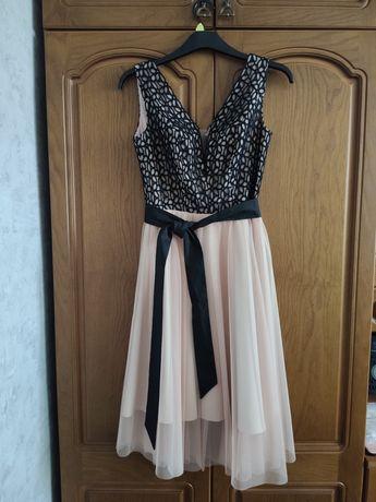 Piękna sukienka koktajlowa