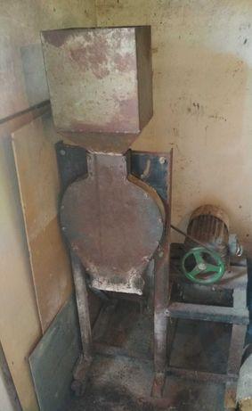 Мельница для зерна
