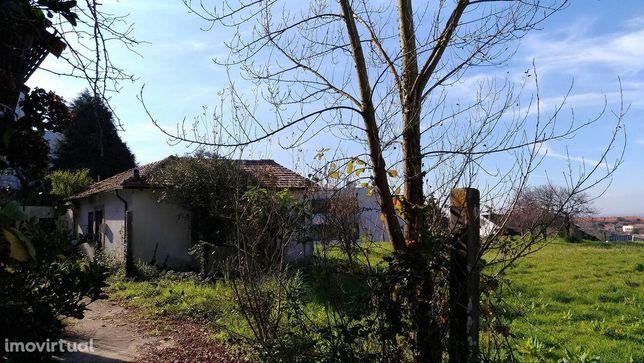 Terreno com projeto para construção multifamiliar em Francelos, Vila N