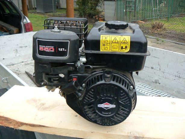 Silnik z bocznym wyjściem wału