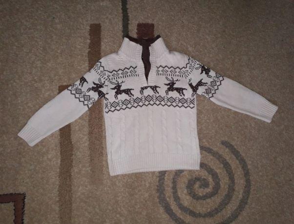 Тёплый свитер на мальчика 4-5лет