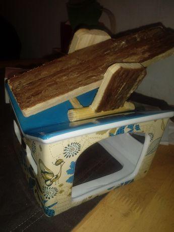 CENAostat.Porcelanowy domek oraz drewniana zabawka dla chomika ,swinki