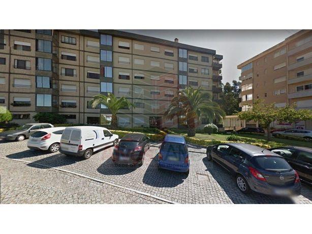 T 2 - Nogueira da Maia, Frente ao LIDL - C/ Electrodomést...