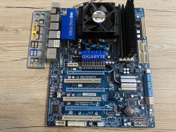 Комплект Gigabyte GA-790FXTA-UD5 + AMD Phenom II X4 955 + 8gb DDR3
