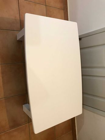 Mesa de centro pintada de branco