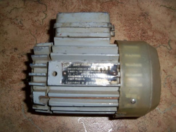 Двигатель асинхронный, 4АА50В4У3 3ФАЗ, 220/380В 1350ОБ/МИН