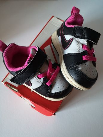 Sapatilhas Nike menina. Tamanho 19