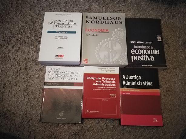 Livros de direito e economia