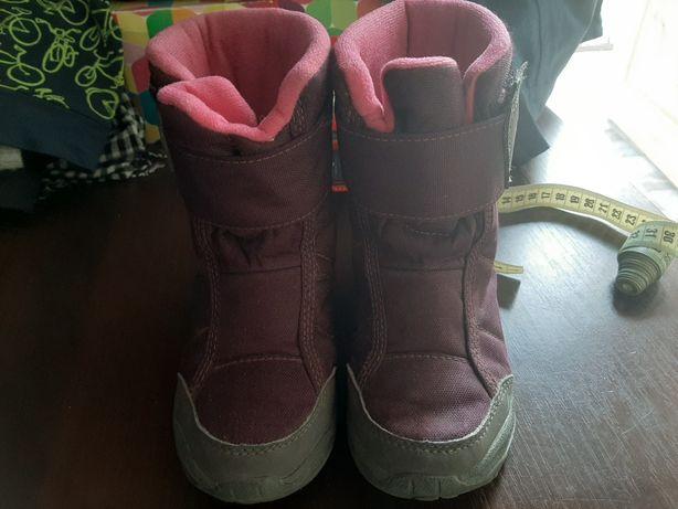 Взуття зимове чобітки