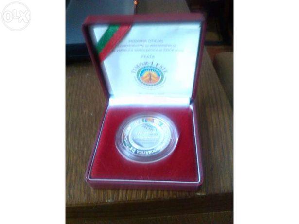Medalha oficial comemorativa da independência de timor prata