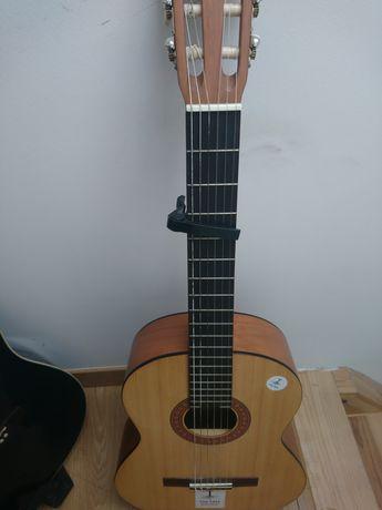 Guitarra classica yamaha