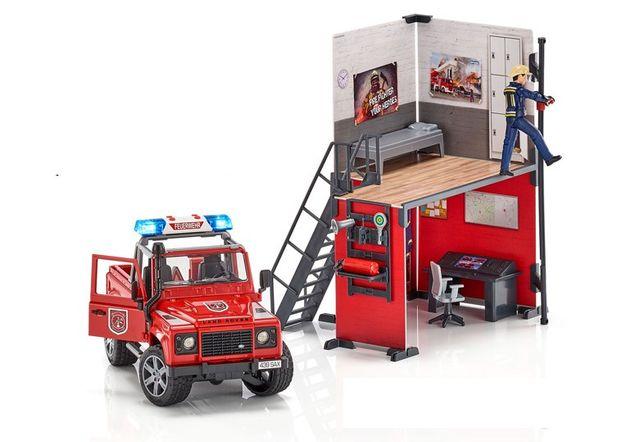 BRUDER Remiza strażacka z Land Roverem strażakiem nowość 2020