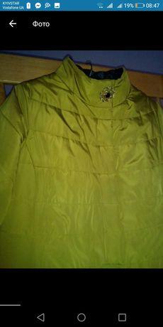 Стильна жіноча куртка 52-54 розмір