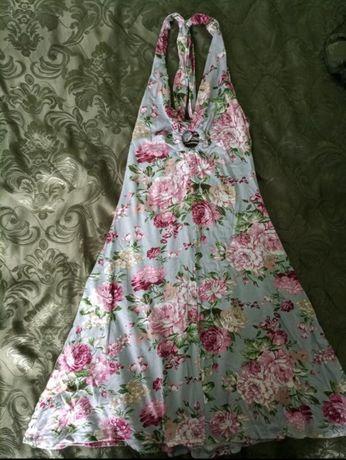 Літнє плаття з квітковим принтом