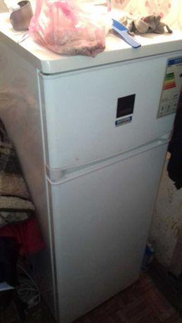 Холодильник Zanussi рабочий zanussi  zrt23100wa