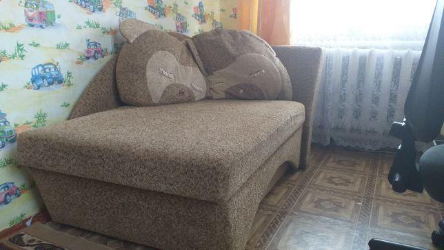 Продам диван подростковый